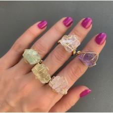 Кольцо с натуральным камнем в позолоте 24К