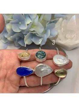 Браслет с натуральными камнями в серебре