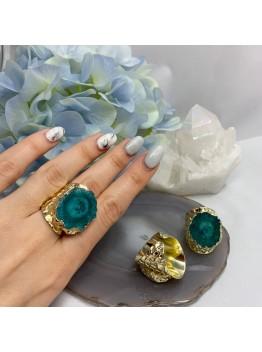 Кольцо со срезом кварца, цвет-зелёный. позолота 24К